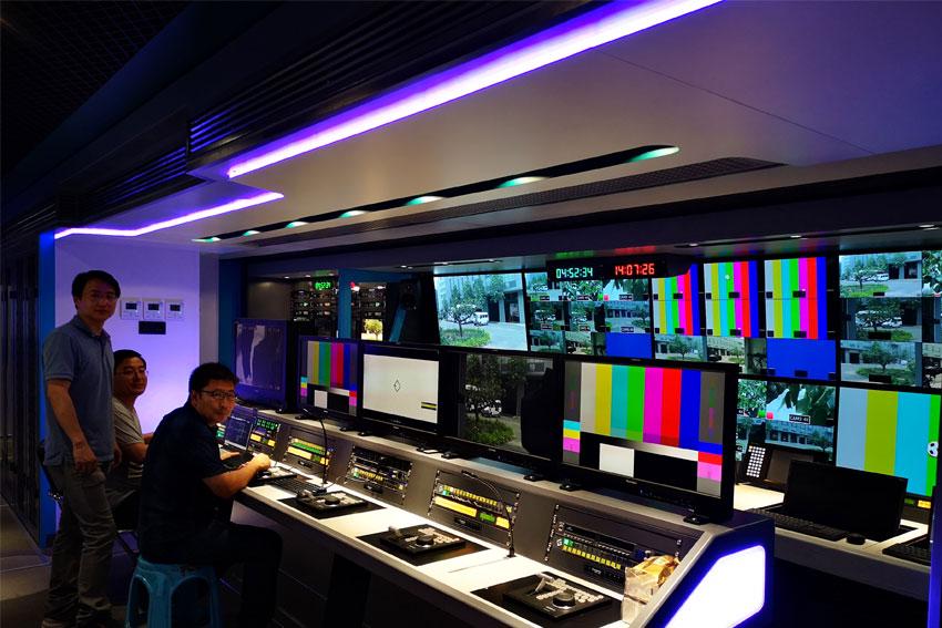 国内首台8K转播车诞生,8K 5G 三维声。康维讯监视器被选应用